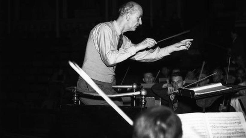 Musik im NS-Staat: Dirigent Wilhelm Furtwangler im Herbst 1948 auf einem Konzert der Wiener Philharmoniker in London