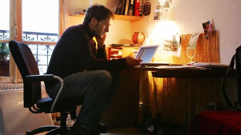 Dokumentarfilm: Regisseur Hubert Sauper in seiner Pariser Wohnung (Archivbild von 2006)