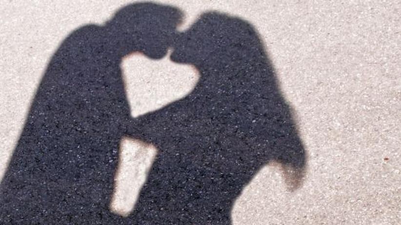 Liebeskolumne: Wieso kommt er von seiner Liebschaft nicht los?