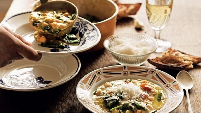 Italienische Kichererbsensuppe mit Parmesan