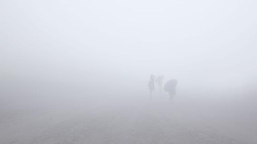 Ätna im Nebel: Die Hand vor Augen