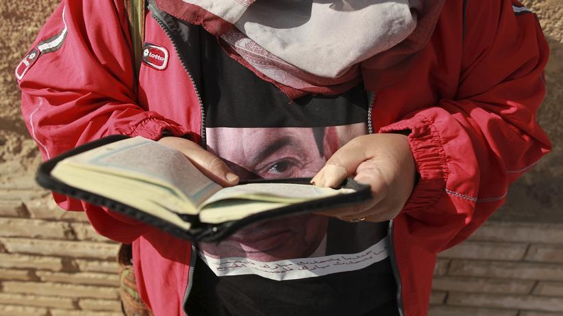 Bildung: Sie lesen. Sie schreiben