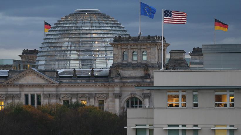 """US-Botschafter John B. Emerson: """"Leute, wacht auf!"""""""