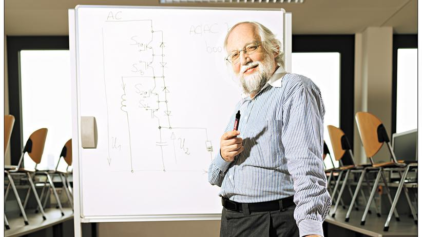 Felix Himmelstoß: Der patente Professor