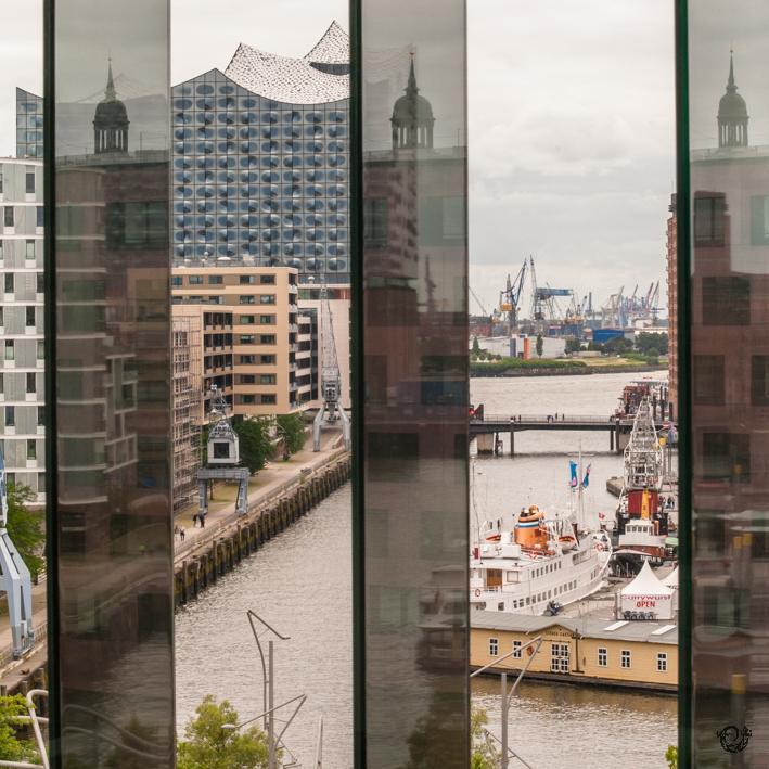 HafenCity-Spiegelungen