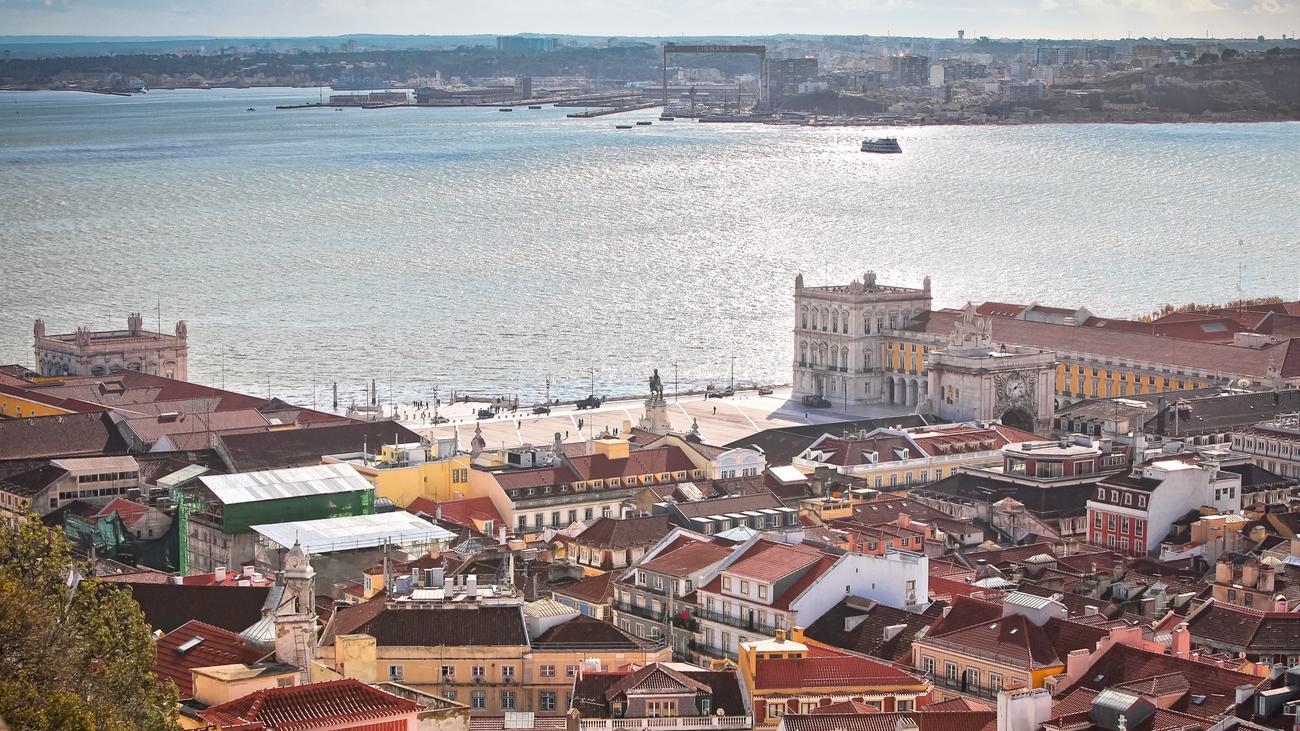 portugal drei tage in lissabon zeit online. Black Bedroom Furniture Sets. Home Design Ideas