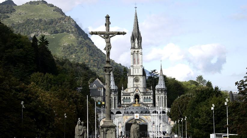 Die Rosenkranz-Basilika in Lourdes