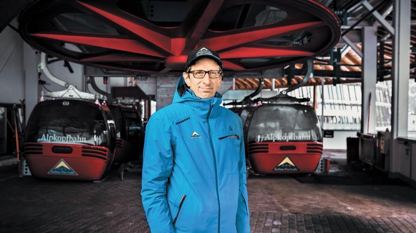 Tirol: Franz Tschiderer in der Talstation der Alpkopfbahn, einer von 68 Liftanlagen in Serfaus, Fiss und Ladis.
