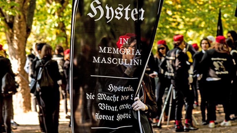 Burschenschaft Hysteria: Im goldenen Matriarchat