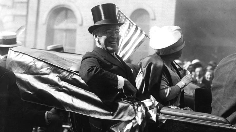 Woodrow Wilson: Präsident Woodrow Wilson (1856 - 1924) mit der First Lady, Edith Wilson (1872 - 1961), in New York.