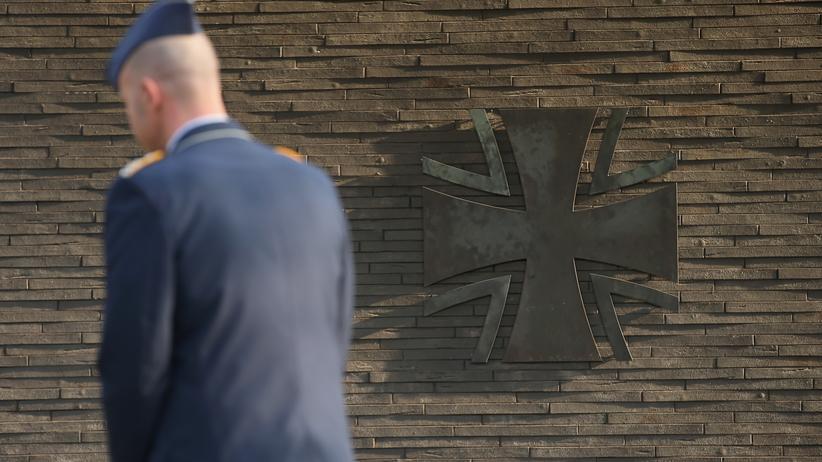 Bundeswehr: Versteckte Schuld