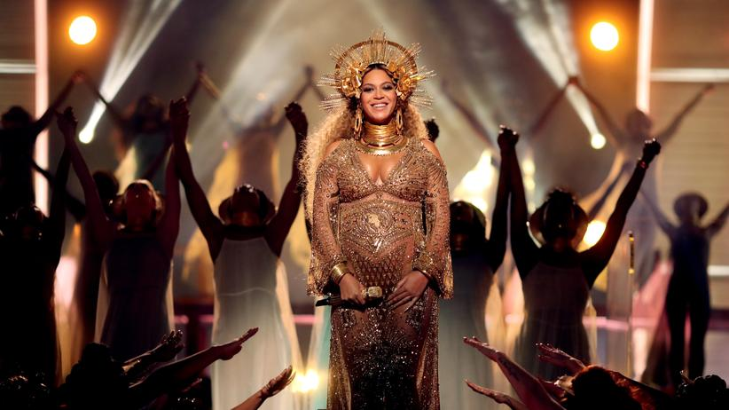 Prominente: Beyonce bei den 59. Grammys in Los Angeles