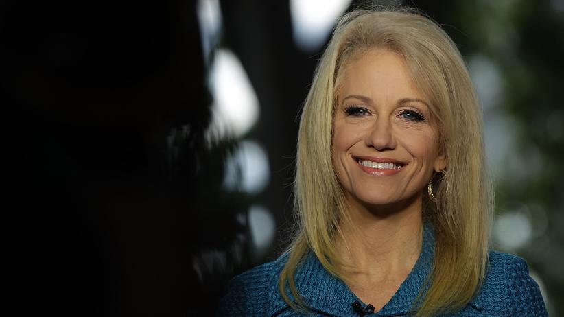 Was bewegt Kellyanne Conway?: Trumps Blaubeerprinzessin
