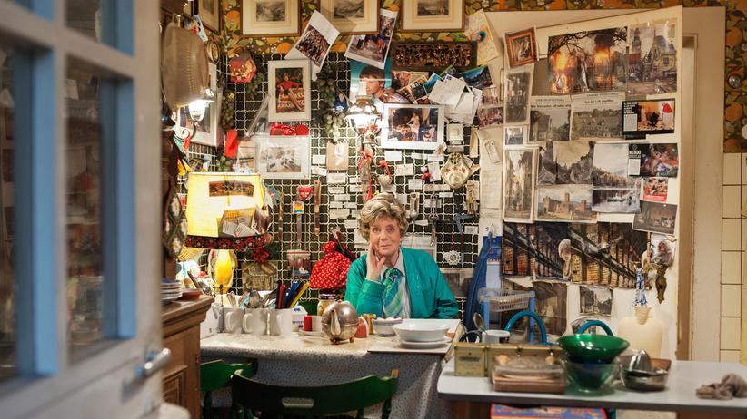 Glaube: Uta Ranke-Heinemann in ihrer Küche, in der schon Gregor Gysi saß, als er sie 1999 zur Bundespräsidentin machen wollte.