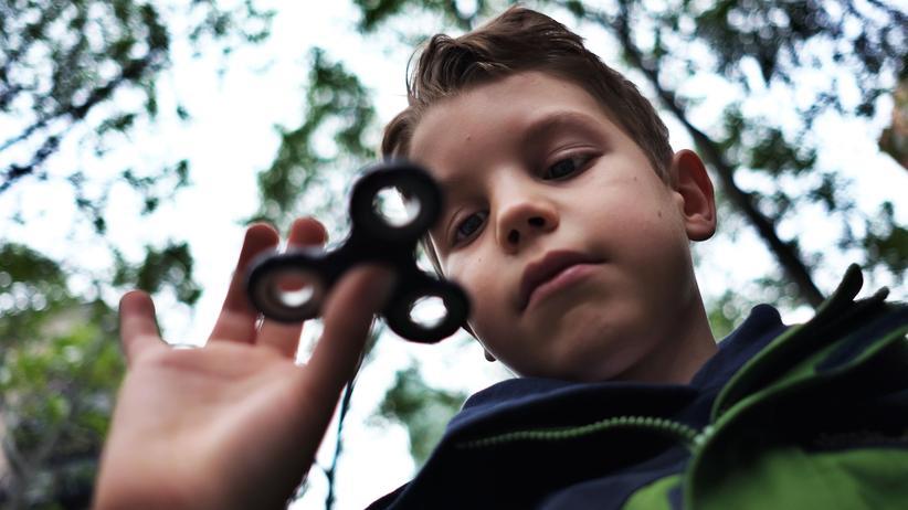 Jugendliche: Das fremde Wesen mit dem Ranzen