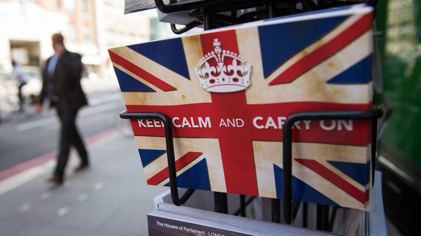 """Mervyn King: Postkarten mit dem britischen Motto """"Keep calm and carry on"""" sind derzeit wieder beliebt."""