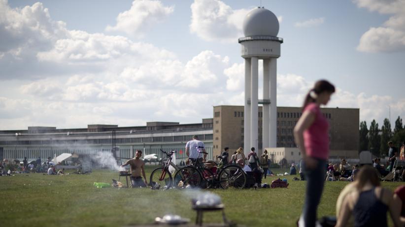 Jugend: Tempelhofer Feld in Berlin