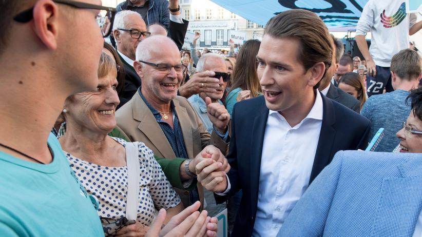 Herausforderer Sebastian Kurz bei einem Wahlkampftermin in Graz