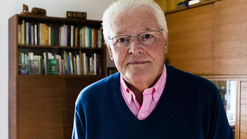 """Ulrich Parzany: Ulrich Parzany ist 76 Jahre alt und lebt in Kassel. Sein Buch """"Was nun, Kirche? Ein großes Schiff in Gefahr"""" ist im Verlag SCM Hänssler erschienen."""