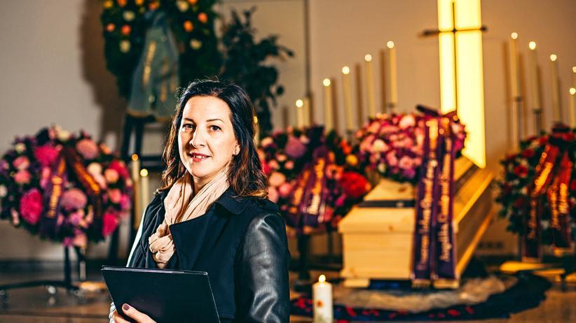 """""""Mir steht eine Bewertung nicht zu"""", sagt Antonia Kreis über die Menschen, die sie verabschiedet"""