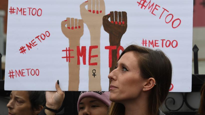 #ChurchToo: Die #MeToo-Debatte gab den Anstoß für das #ChurchToo-Hashtag.