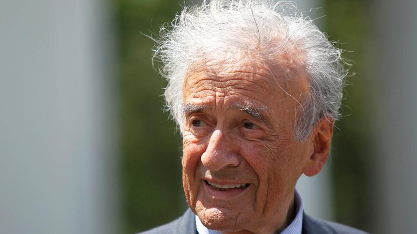 Rumänien: Friedensnobelpreisträger Elie Wiesel (1928–2016) bei einer Rede im Jahr 2010