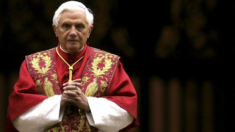 Benedikt XVI: Warum trat der Papst zurück?