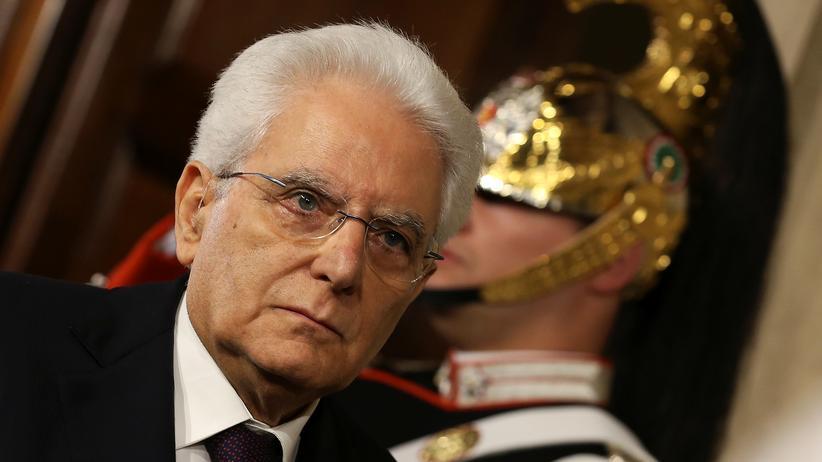 Italien: Staatspräsident Sergio Mattarella nach seinem Treffen mit Giuseppe Conte