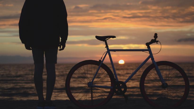 Fahrrad: Kein Sportwagen der Welt kann dieses Gefühl ersetzen, das sich beim Radfahren einstellt.
