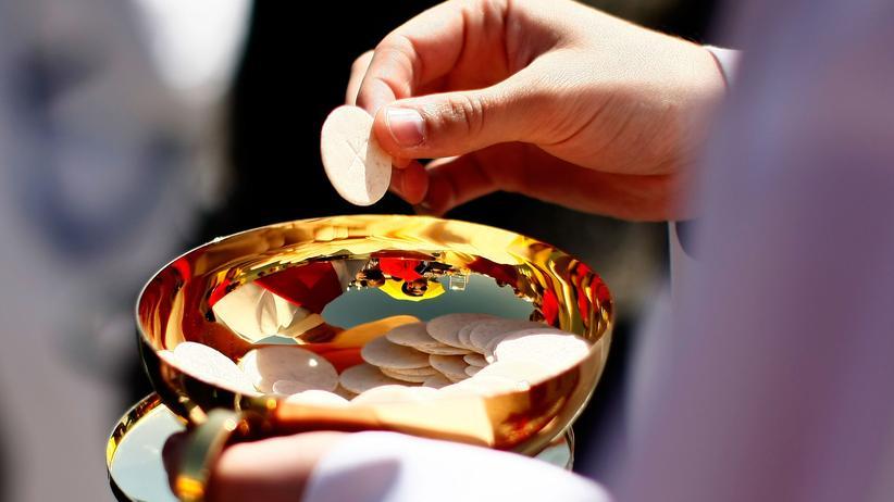 Kirchenrecht: Die Regeln der Kirche sollten den Menschen dienen, nicht umgekehrt.