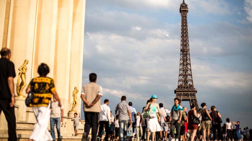 Tourismus: Und dann, dem Sehnsuchtsziel so nah, prallen wir gegen einen Wall aus berucksackten Rücken.