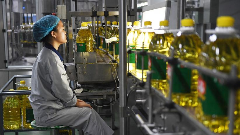 Handelsstreit: Sojaöl-Produktion in Sanhe, China