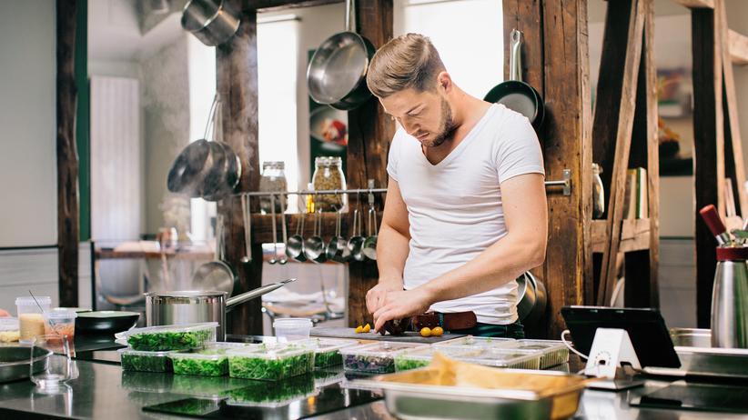 Robin Pietsch: Feinschmecker: Robin Pietsch, 29, in der Küche seines Lokals Zeitwerk in Wernigerode