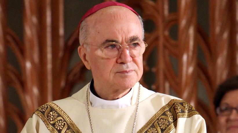Carlo Maria Viganò: Ein Erzbischof sieht rot