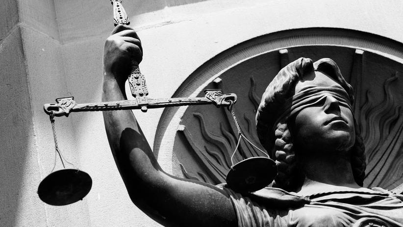 Justiz und Demokratie: Der Rechtsstaat braucht neues Vertrauen