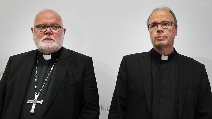 Sexueller Missbrauch: Der Vorsitzende der Deutschen Bischofskonferenz, Reinhard Kardinal Marx, und der Trierer Bischof Stephan Ackermann, Missbrauchsbeauftragter der Bischofskonferenz, bei einer Pressekonferenz zur Missbrauchsstudie