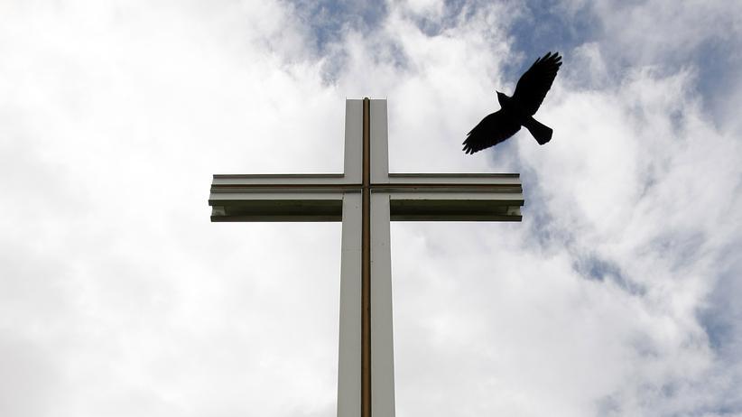 Vertrauen in Institutionen: Das systemische Versagen der katholischen Kirche ist nicht nur für das Vertrauen in kirchliche Hierarchien, sondern für das Glaubenkönnen insgesamt gefährlich.