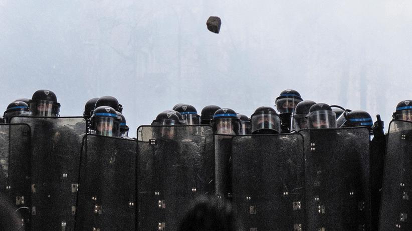 Daniel Cohn-Bendit: Polizisten in einer Straßenschlacht am 1. Dezember in Paris