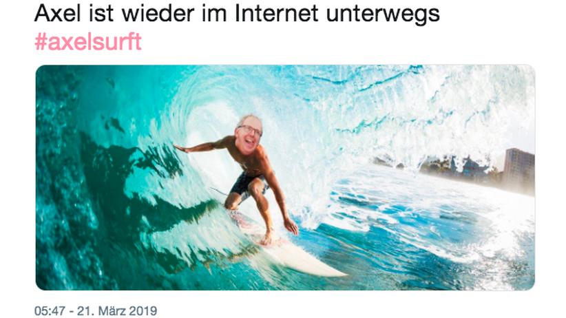 #axelsurft: Axel Voss findet ein Meme