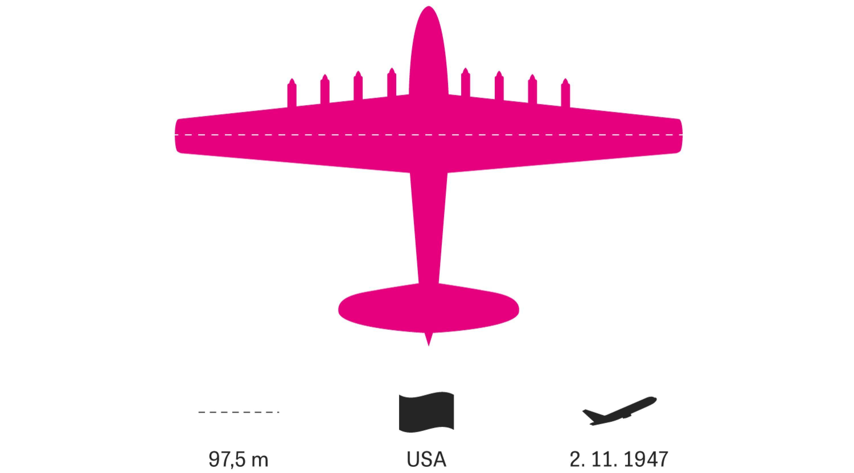 """Große Flugzeuge: Komplett aus Holz besteht diese Gigantin. Geplant wurde die """"Spruce Goose"""" im Zweiten Weltkrieg. Die US-Regierung beharrte darauf, dass keine kriegswichtigen Materialien verbaut werden durften. Fertig wurde sie erst nach Kriegsende und flog nur einmal."""
