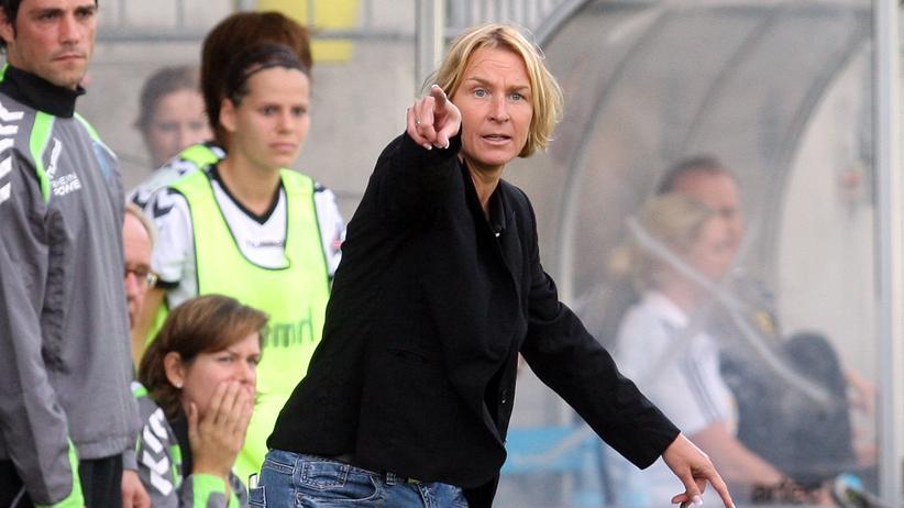 Martina Voss-Tecklenburg: Frauen sind klarer im Kopf