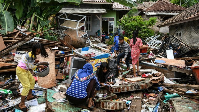 Moral: Zerstörte Häuser im indonesischen Dorf Rajabasa, drei Tage nach dem Tsunami am 25. Dezember 2018