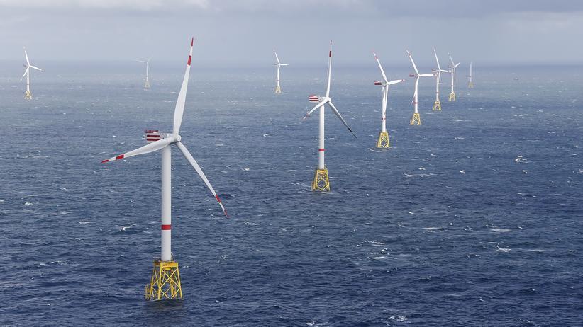 Wind turbines: wind turbines in the North Sea near Amrum