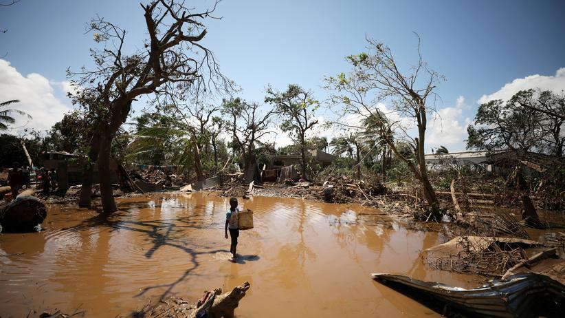 """Zyklon """"Idai"""": Das Wasser geht zurück und offenbart das Ausmaß der Zerstörung."""