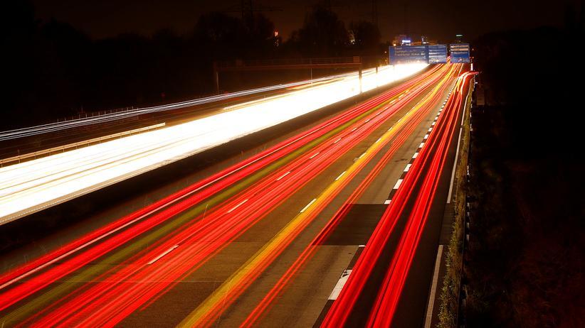 Tempolimit: Würde ein Tempolimit auf Autobahnen die Zahl der Verkehrstoten senken?