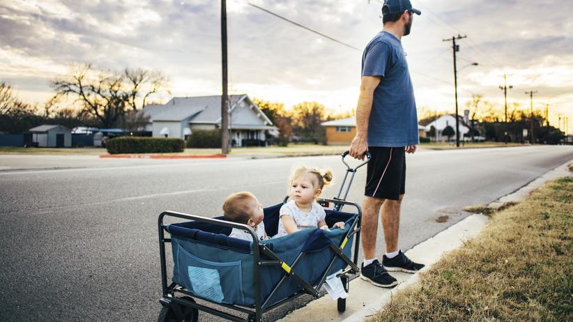 Eltern: Ein Bollerwagen voll Hoffnung