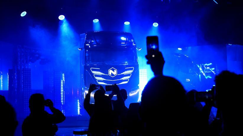 Elektro-LKW: Der rein elektrische Lkw kommt, er wird aber sehr teuer.