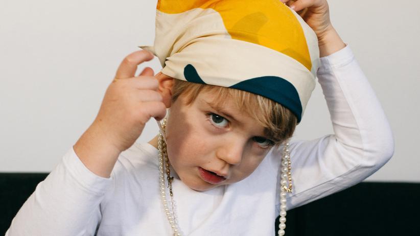 Geschlechterrollen: Was, wenn der Sohn gerade am liebsten Omas alte Perlenkette trägt? Geschlecht ist eine wirkmächtige Kategorie – auch in aufgeklärten Zeiten