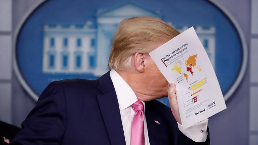 Coronavirus und Politik: US-Präsident Donald Trump während einer Pressekonferenz zur Ausbreitung des Coronavirus