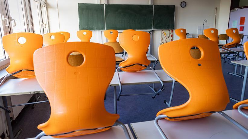 Abiturprüfungen in Schleswig-Holstein: Leeres Klassenzimmer – wegen Corona geschlossen